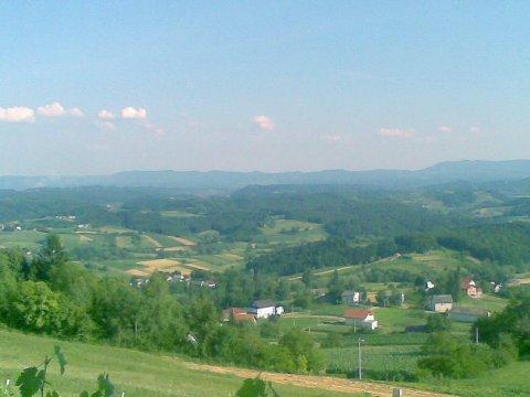 Pogled na Zagorje iz Petrove Gore
